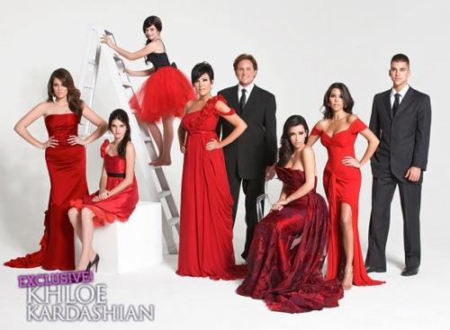 Khloe-Kardashian-Family-Christmas-Cards-1216102-580x426