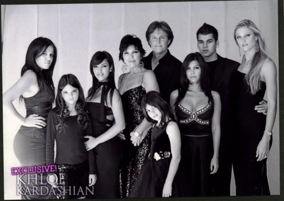 Khloe-Kardashian-Family-Christmas-Cards-1217093-580x411