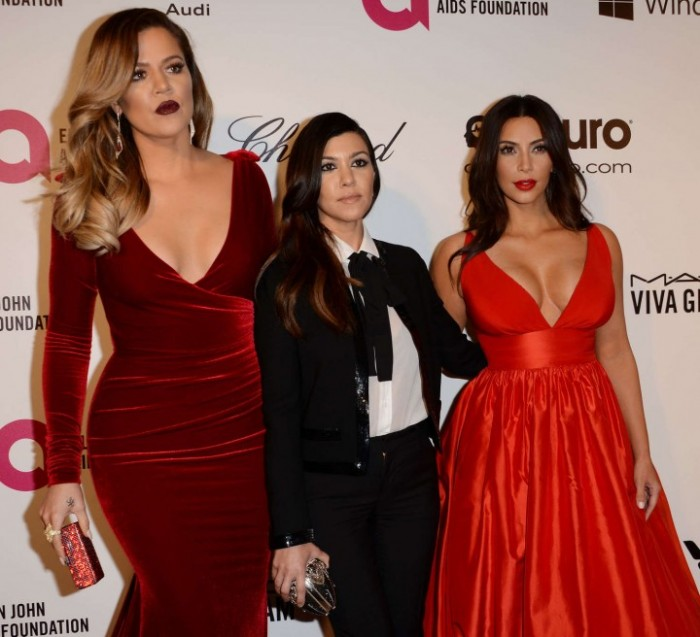 Khloe,-Kim-&-Kourtney-Kardashian--2014-Elton-John-AIDS-Foundation-Academy-Awards-Party--29-720x656