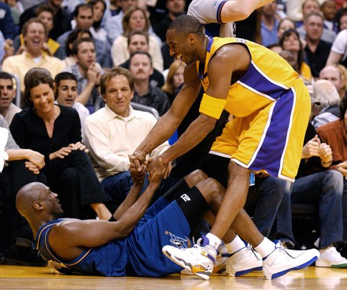 Kobe picking up jordan