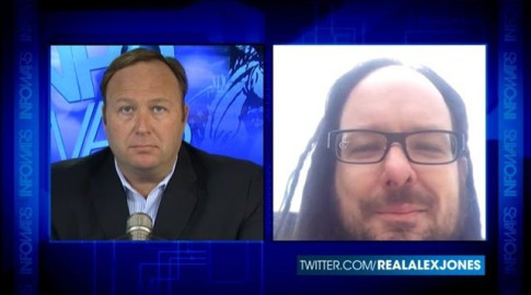Korn-Jonathan-Davis-Alex-Jones