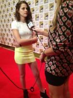 Kristen Stewart - 2012 Comic Con-09-560x746