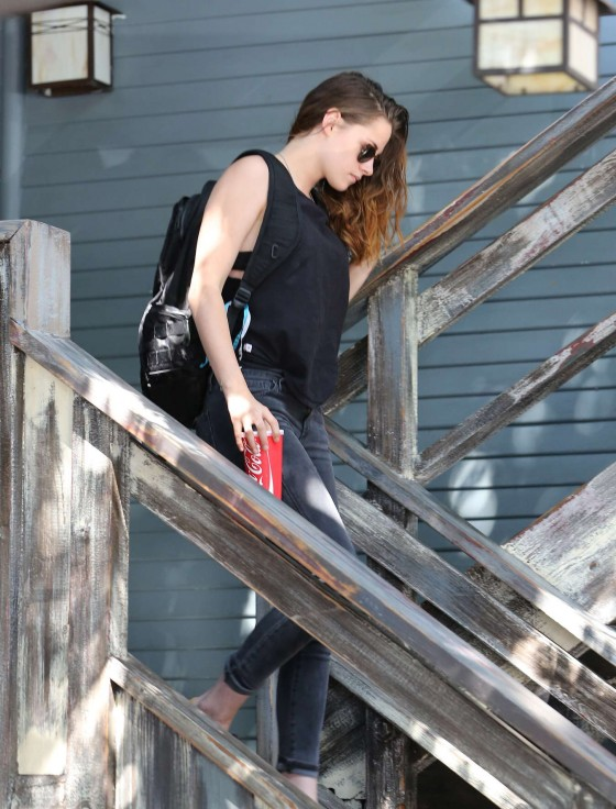Kristen-Stewart-at-Theres-No-Place-Like-Home-restaurant--31-560x736