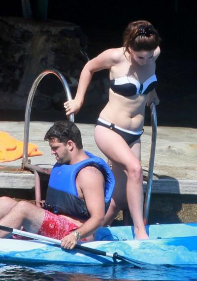 Lana-Del-Rey-Bikini 2