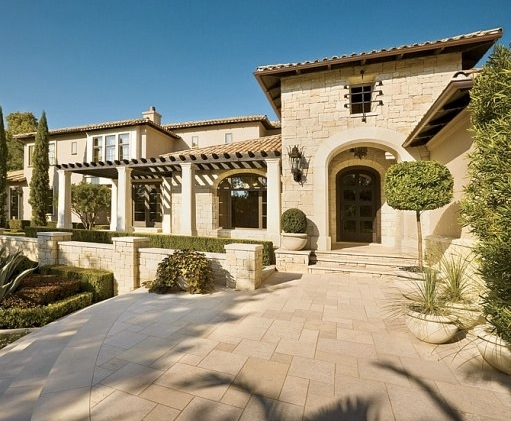Lance-Armstrong-Sells-Estate-In-Texas-As-Legal-Costs-Continue-To-Soar-111