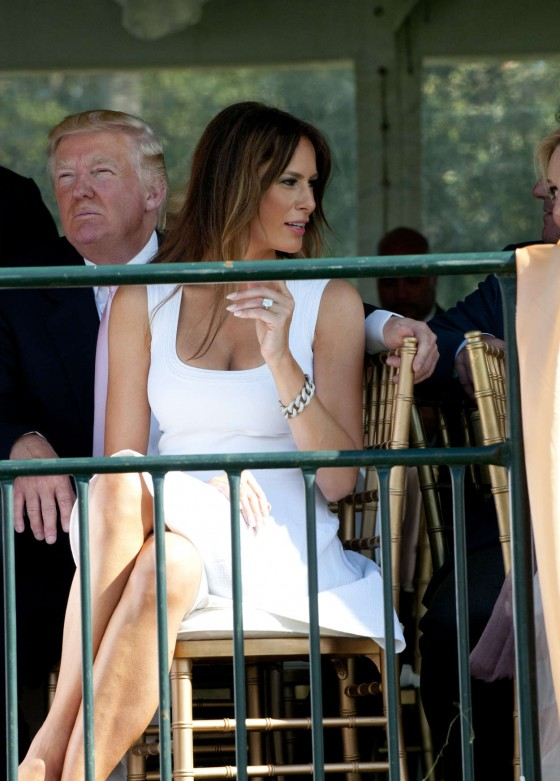 MELANIA TRUMP 01 560x781 The Woman Who Dare Wake Up Next To Donald Trump