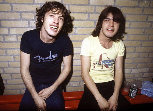 Malcolm Young, Angus  1