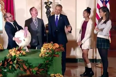 Malia Obama Refuses To PET Pardoned Turkey