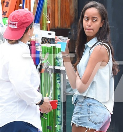 Malia Obama on set of girls