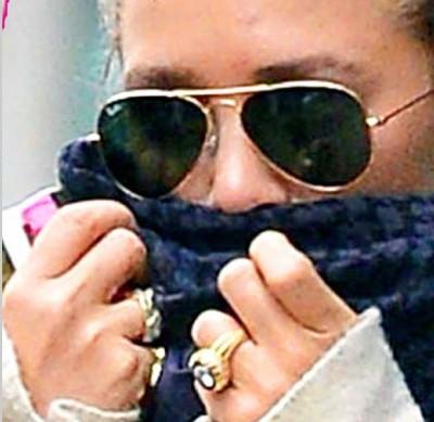 Mary-Kate Olsen ring