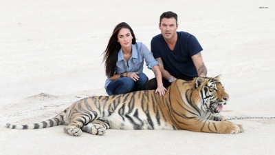 Megan Fox Brian Austin Green Pose With Siberian Tiger