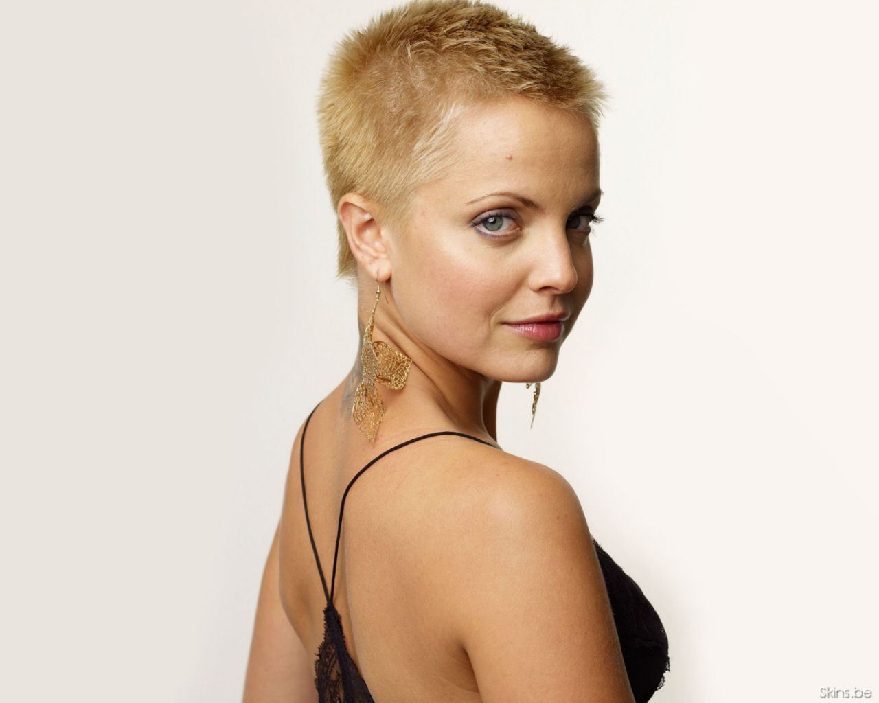 Mena Suvari 035 Mena Suvari 0009 AMERICAN BEAUTY: Mena Suvari Tattoos And Freshly SINGLE