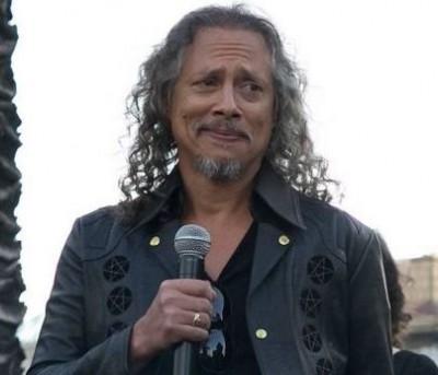 Metallica Guitarist Loses iPhone