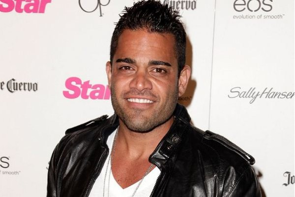 MikeShouhed_600-400-12-10-12-2