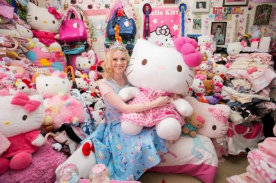 Natasha Goldsworth hello kitty 4