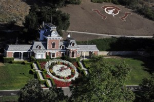 Neverland Ranch1 300x199 Residents form Never Group to Protest Neverland Ranch as Tourist Attraction