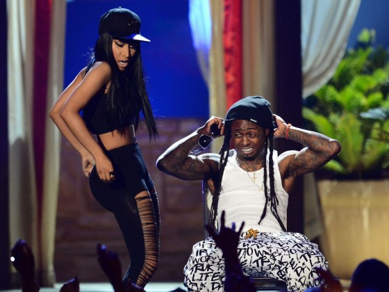 Nicki-Minaj-at-the-2013-Billboard-Music-Awards--46-560x420