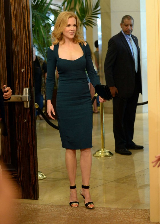 Nicole-Kidman---2013-Hollywood-Foreign-Press-Associations-09-560x785
