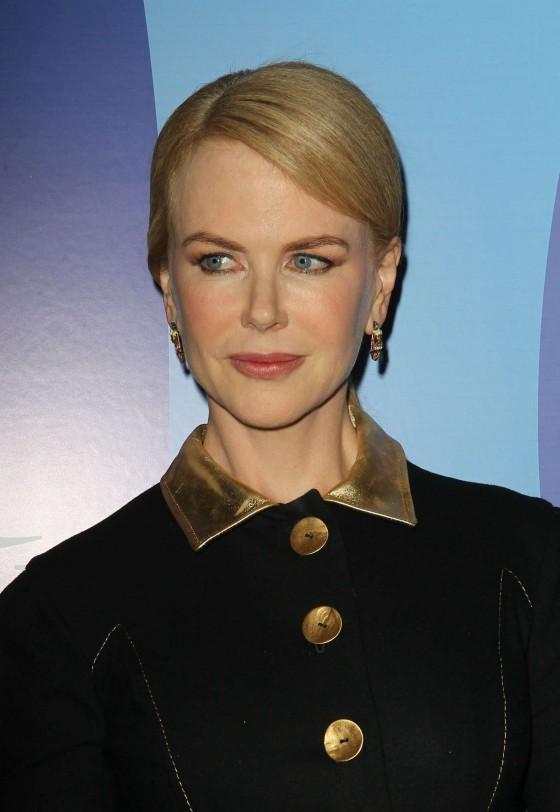 Nicole-Kidman---2013-Variety-Power-of-Women-Event--03-560x812