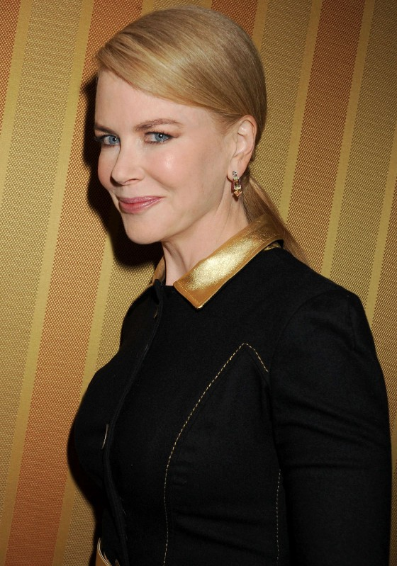 Nicole Kidman 2013 Variety Power of Women Event 07 560x799 Nicole Kidman BOTOX STATUE