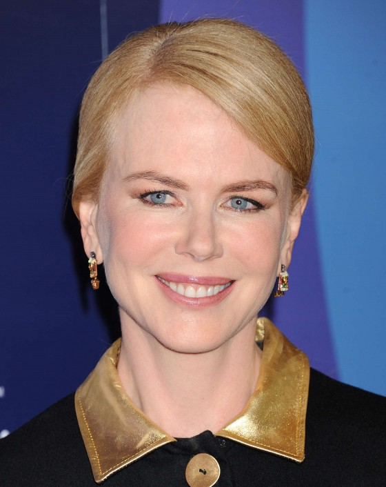 Nicole Kidman 2013 Variety Power of Women Event 28 560x706 Nicole Kidman BOTOX STATUE