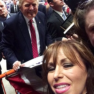 Paula Jones trump selfie