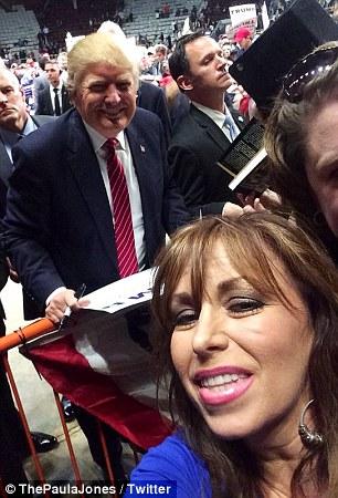 Paula Jones trump selfie