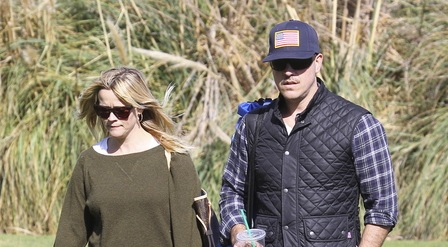 Reese Witherspoon and Ryan Phillippe with son Deacon  Pt 2