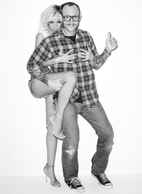 Rihanna-Terry-Richardson-photoshoot-2012-12-560x840