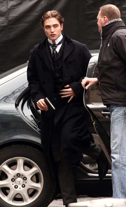 Rob pattinson belami Robert Pattinson Looking Like Dracula for Once!