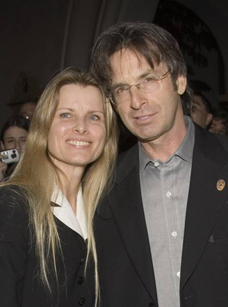 Robert Carradine wife