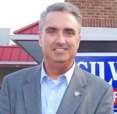Scott Silverthorne mayor farfax