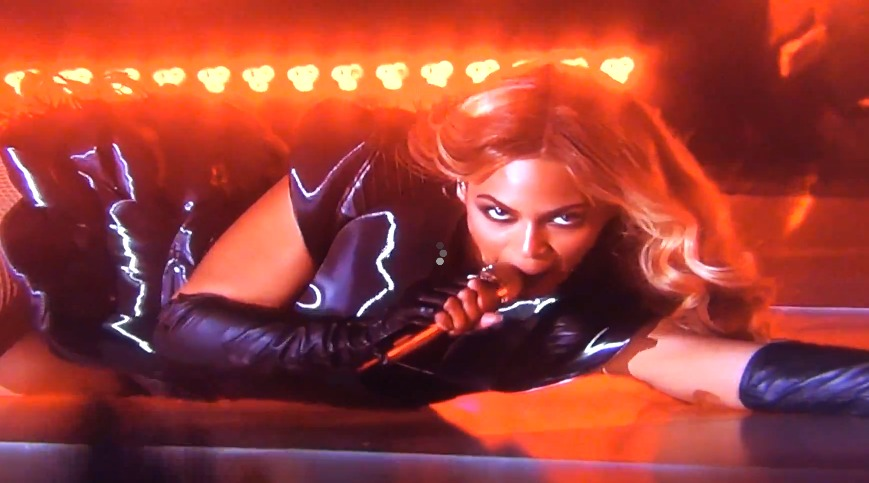 Screen Shot 2013 02 04 at 7.19.49 PM 1 Did LIVE Beyonce Super Bowl Performance SKIP? (video)