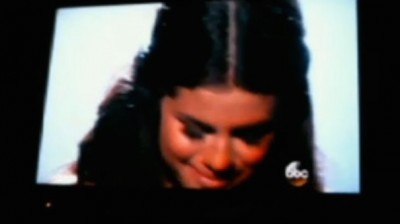 Selena Gomez CRIES During AMAs Performance 2