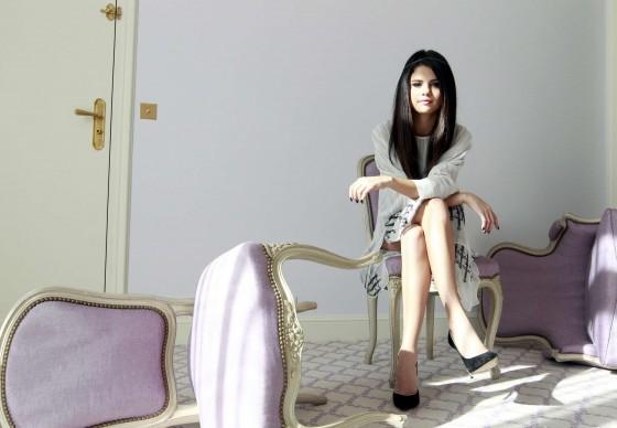Selena-Gomez---Spring-Breakers-portraits--02-560x388