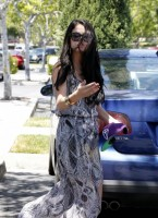 Selena Gomez and Justin Bieber Paparazzi accident 06 560x770 145x200 SUSPECT!! Demonic Justin Bieber Attacks Selena Gomez Others In Street! (UPDATED! 19 Photos)