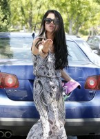Selena Gomez and Justin Bieber Paparazzi accident 13 560x770 145x200 SUSPECT!! Demonic Justin Bieber Attacks Selena Gomez Others In Street! (UPDATED! 19 Photos)