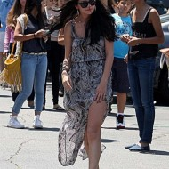 Selena Gomez and Justin Bieber Paparazzi accident 16 560x770 190x190 SUSPECT!! Demonic Justin Bieber Attacks Selena Gomez Others In Street! (UPDATED! 19 Photos)