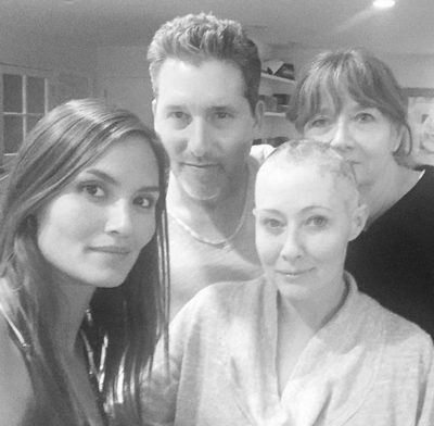Shannen Doherty bald cancer photo 400x392 Shannen Doherty Bald; Had Impossibly Tough Day After Undergoing Cancer Treatment