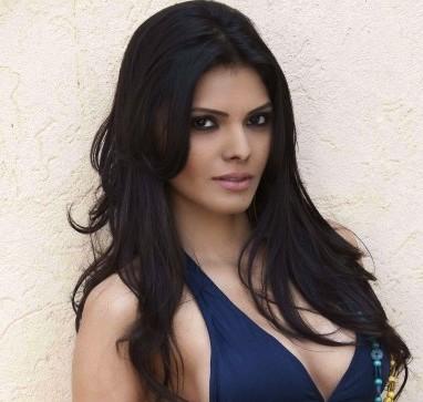 The Kim Kardashian Of INDIA!