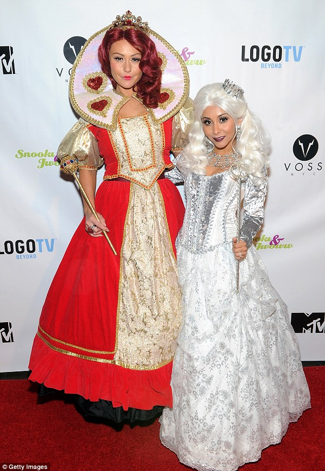 Snooki and JWoww Alice In Wonderland costumes