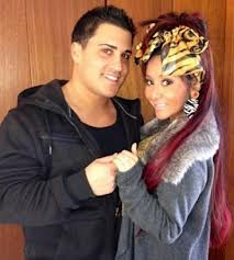 Snooki Jionni ring Video: Snooki Almost Pukes Over Sonogram Picture