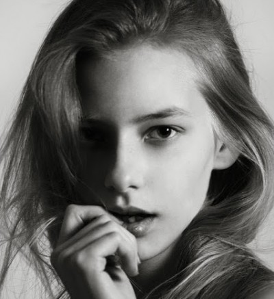 Sofia Mechetner face1 400x437 OUTRAGE Over 14 Year Old FACE OF DIOR