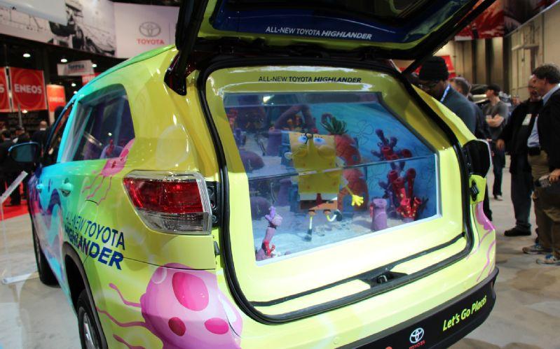 SpongeBoB-Toyota-Highlander-Tanked-Edition-cargo-area-tank-3