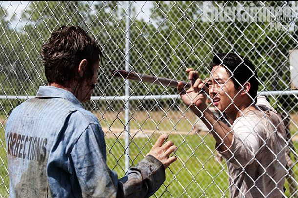 Steven-Yeun-in-The-Walking-Dead-Season-3