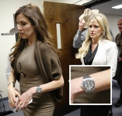 Taya Kyle Chris dog tags and Rolex Submariner 6 400x379 Chris Kyle Widow Wears His ROLEX Dog Tags To Murder Trial