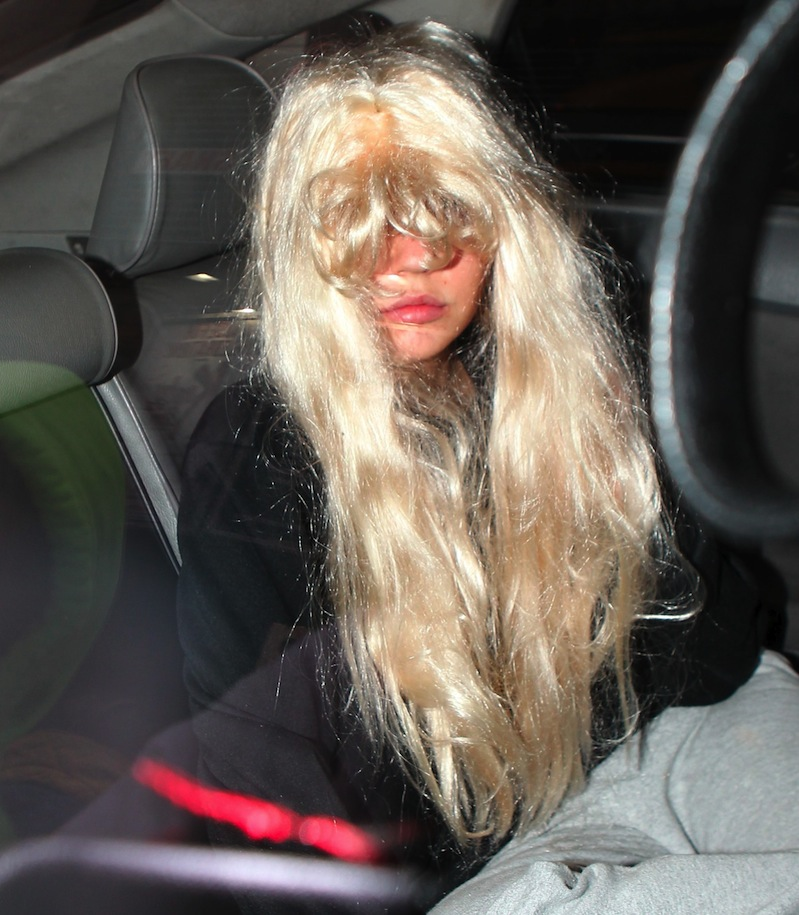 amanda bynes x17 court leaving2 Amanda Bynes PAYBACK SNAP For Everyone She Called UGLY.. No Amanda, THIS Is Ugly