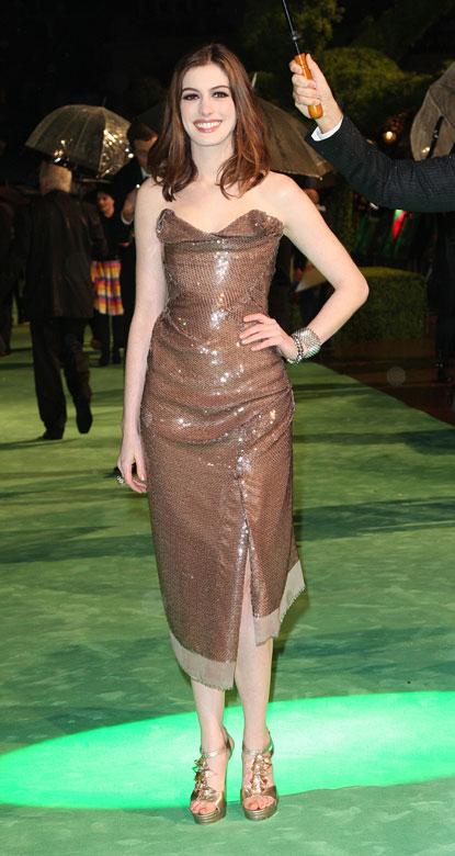 anne2 Photos: Alice in Wonderland Movie Premiere in London