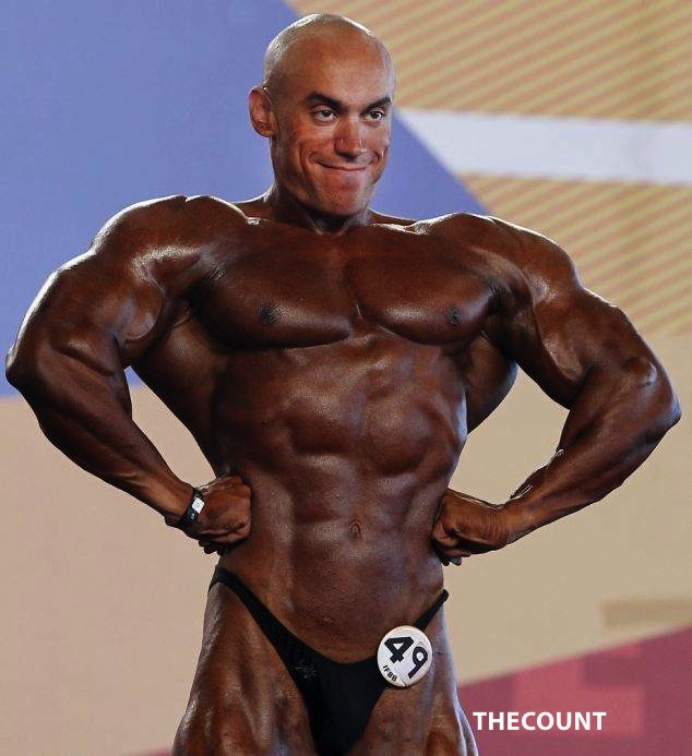 article 0 157CF107000005DC 140 634x693 Bodybuilder Blunder: FACE IT! YOU FORGOT SOMETHING!