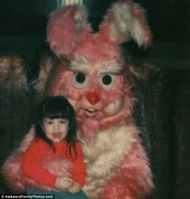 article 0 1901B05E000005DC 609 634x665 FUNNY BUNNY! The Worst Happy Easter EVER! In Pictures